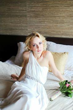#wedding #photography #girl #whitedress #studio #morning