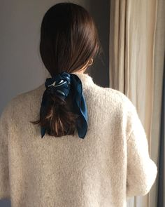 scarf hairstyles How to wear Tana Latorre 's silk scarf find it at link in bio How to wear Tana Latorre 's silk scarf find it at link in bio Box Braids Hairstyles, Pretty Hairstyles, Latest Hairstyles, Scarf Hairstyles Short, Fashion Hairstyles, Looks Black, Hair Accessories For Women, Mode Inspiration, Hair Day