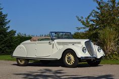 RENAULT - Viva Grand Sport - Cabriolet 1936 ════════════════════════════ http://www.alittlemarket.com/boutique/gaby_feerie-132444.html ☞ Gαвy-Féerιe ѕυr ALιттleMαrĸeт https://www.etsy.com/shop/frenchjewelryvintage?ref=l2-shopheader-name ☞ FrenchJewelryVintage on Etsy http://gabyfeeriefr.tumblr.com/archive ☞ Bijoux / Jewelry sur Tumblr