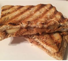 I Love Health | grilled sandwich with peanut butter and banana| http://www.ilovehealth.nl