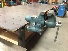 Heavy Duty Grinder/Vise Pedestal Build - The Garage Journal Board Metal Art Projects, Welding Projects, Projects To Try, Bench Vise, Diy Bench, Metal Work Table, Bench Grinder, Welding Table, Metal Shop