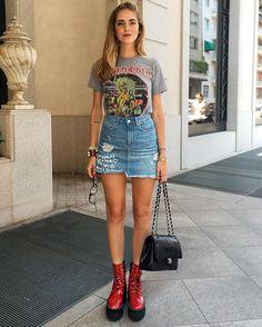 Pin for Later: In diese Trends kann man gerne investieren — denn sie kommen so schnell erstmal nicht aus der Mode Distressed Jeans-Röcke Die Jeans werden schon lange zerrissen getragen und nun sieht man diesen Trend auch immer mehr an einem Klassiker der Sommermode: Dem Jeansrock.