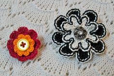 Button Flower Pin crochet pattern available at www.TheCrochetArchitect.com.