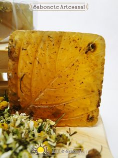 Sabonete de Camomila Soap Making, Candles, Cream, How To Make, Crafts, Terra, Apothecary, Soaps, Beauty