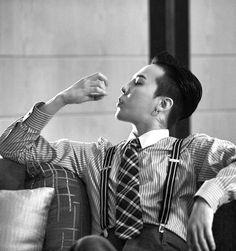 on Infinite Challenge G Dragon Black, Bigbang Wallpapers, Winner Ikon, Bigbang G Dragon, Kim Sun, Daddy Aesthetic, Baby Dragon, Daesung, Kpop Guys