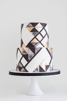 2019 Wedding Cake Trends – Today's Bride 2019 Wedding Cake Trends Wedding Cake Prices, Unique Wedding Cakes, Unique Cakes, Wedding Cake Designs, Cool Cake Designs, Fondant Wedding Cakes, Fondant Cakes, Cupcake Cakes, Cake Fondant