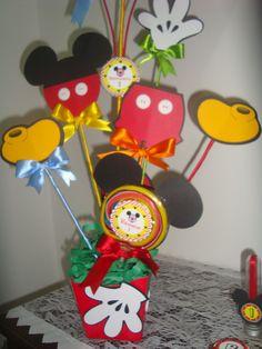 Enfeite de Mesa Personalizado Mickey, 1 aninho Bernardo -março 2014