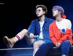 When will these award shows in Korea begin 👺 I want to see them perform and win 😔 ~A ❤️ Seokjin, Bts Blackpink, Bts Bangtan Boy, Yoonmin, Jikook, K Pop, Fanfic Namjin, 19 Days, Worldwide Handsome