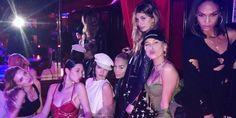 Spettacoli: Il nuovo #accessorio must have di Kendall Jenner e Bella Hadid (Foto) (link: http://ift.tt/2mu5ao0 )