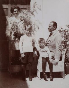 hrhawesome:Grand Duke Ernst Ludwig of Hesse with his wife Grand Duchess Eleanor and their sons, Grand Duke Georg Donatus & Prince Ludwig; C. 1911.