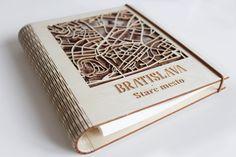 Originálny drevený zápisník, drevene, notebook, diar, slovakia, slovenske, slovensko, bratislava, stare mesto, darček, darček pre muža, gift Bratislava, Mesto