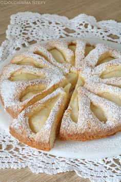Torta morbida di Pere ✫♦๏☘‿SA Sep 14 , ✤ ❀‿❀ ✫❁`✿ ~⊱✿ ღ~❥~✿ ༺✿༻♛༺ ♡⊰~♥⛩ ⚘☮️❋ Sweet Recipes, Cake Recipes, Dessert Recipes, Torta Twix, French Apple Cake, Torte Cake, Italian Cookies, Cooking Time, Sweet Treats