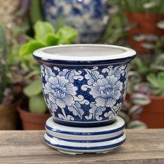 Macetero con base de cerámica pintada