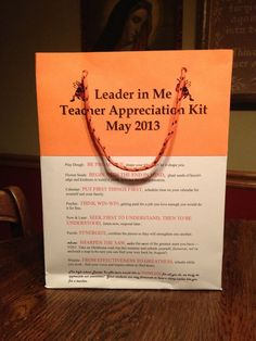 DIY Leader in Me teacher appreciation bag, made from 3 sheets of cardstock, glue, and nylon rope for the handle: