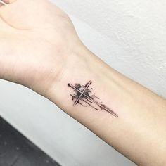 New tattoo wrist cross tatoo 35 Ideas Forearm Tattoos, Finger Tattoos, Arm Band Tattoo, Tattoo Neck, Trendy Tattoos, Small Tattoos, Couple Tattoos, Tattoos For Guys, Tattoo Mama