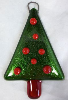 Fused Glass Christmas Tree in Sparkling Green Aventurine Art Glass with Red Glass Baubles Fused Glass Ornaments, Fused Glass Jewelry, Handmade Ornaments, Mosaic Art, Mosaic Glass, Stained Glass, Glass Christmas Ornaments, Christmas Themes, Christmas Decorations