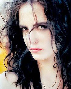"evagreennews: ""Eva Green - Old Photoshoot "" Vanessa Ives, Beautiful Eyes, Beautiful Women, Actress Eva Green, Penny Dreadful, French Beauty, French Actress, Divas, Portrait Photography"
