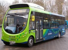 """Britain to be home of """"world's most demanding electric bus route"""" By Ben Coxworth January 9, 2014  The 5-year project will involve eight electric buses running 17 hours a day, covering 15-mile (24-km)"""