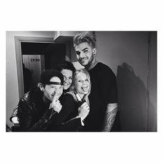 "Gefällt 85 Mal, 2 Kommentare - Adam Lambert is goals💖 (@finnbertt) auf Instagram: ""Sauli, what are you doing😂😂 #adamlambert#adamlambertfinland#finnbert#finnberts#glamberts#glamily…"""
