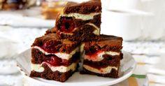 Deliciosos brownies con queso crema ycereza
