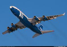 Ilyushin Il-96-400T aircraft picture