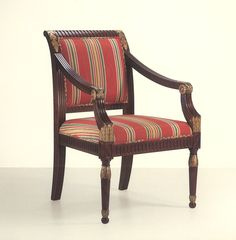 32012 // Decca // Traditional Collection // Hand Carved Dining Chair