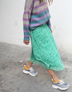 Moliin selma green skirt sd cl Green Skirt Outfits, Modest Outfits, Modest Fashion, Fall Outfits, Summer Outfits, Cute Outfits, Fashion Outfits, Printed Skirts, Printed Skirt Outfit
