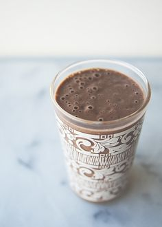 Peanut butter cup smoothie recipe, plus 4 more smoothies that are inspired by (and taste like) dessert, via @kitchykitchen