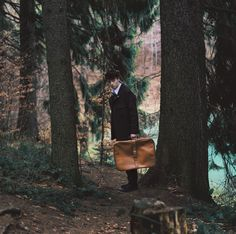https://flic.kr/p/FMu5tS | Untitled | Off to the woods. With a suitcase. As you do.