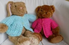 "free pattern for an easy crochet jacket in 2 sizes to fit 12/14"" bear and 15/17"""