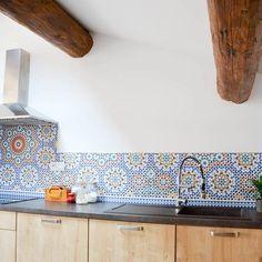 Crédence carreaux de ciment, tapis scandinave,... : inspirez-vous avec nos réalisations. Découvrez en photos nos produits posés chez nos clients !