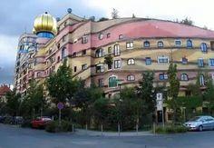 Hundertwasser'in tasarladığı Forest Spiral Binası (Darmstadt, Almanya)