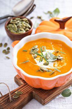 Суп из запеченной тыквы с шалфеем