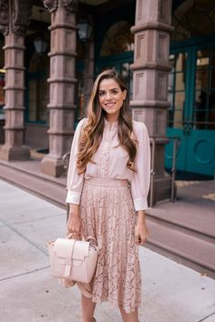 Julia Engel styles her Senreve Mini Maestra bag four ways on Gal Meets Glam. This is the perfect bag for carrying daily essentials. Pink Outfits, Modest Outfits, Skirt Outfits, Modest Fashion, Summer Outfits, Cute Outfits, Fashion Outfits, Womens Fashion, Apostolic Fashion