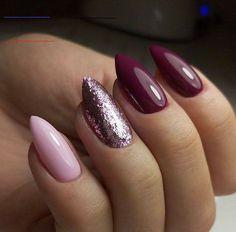 #onglenoel2019 Elegant Nail Designs, Elegant Nails, Nail Art Designs, Sparkly Nail Designs, Nails Kylie Jenner, Uñas Fashion, Nails Design With Rhinestones, Almond Shape Nails, Almond Nail Art