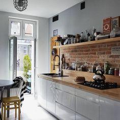#instainterior: świat rzeczy znalezionych. - Style Recital Home Decor Kitchen, Home Kitchens, Kitchen Dining, Kitchen Cabinets, Modern Kitchen Design, Interior Design Kitchen, Light Wood Kitchens, Kitchen Models, Cuisines Design