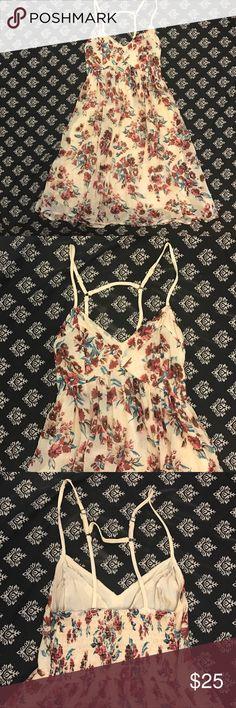 Floral Hawaiian Print Babydoll Dress In perfect, like new condition. Hollister Dresses Mini