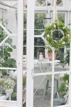 Garden Cottage, Home And Garden, Potting Sheds, Winter Garden, Interior Decorating, Decorating Ideas, Sunroom, Country Life, Green Houses