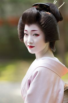 芸妓さんと舞妓さんのブログ (Perfect geiko Toshikana of Miyagawacho last week...)