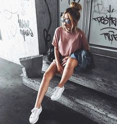 Most Simple Tricks: Urban Fashion Dope Hats urban fashion photoshoot spaces.Urban Fashion Runway Ready To Wear urban wear women nike free. Estilo Blogger, Fashion Design Inspiration, Mode Inspiration, Fashion Ideas, Fashion Trends, Instagram Pose, Instagram Girls, Girl Photography, Fashion Photography