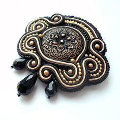 #oksanatessitelli #handmade #jewelry #brooch #gold #black #baroque #хендмейд #чёрный #золотой #барокко #брошь #soutache #сутаж #сутажнаявышивка #style #fashion #сутажныеукрашения #сутажнаявышивка