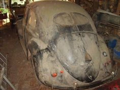 VW Split Kdf Wagen, Bug Car, Vw Vintage, Rusty Cars, Old Classic Cars, Weird Cars, Abandoned Cars, Futuristic Cars, Barn Finds