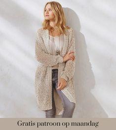 Ontvang ieder montag het gratis p. Gratis patroon op montag - Breipatroon W. Knit Cardigan Pattern, Long Knit Cardigan, Vest Pattern, Crochet Cardigan, Crochet Wool, Knit Fashion, Shawls And Wraps, Crochet Clothes, Lana