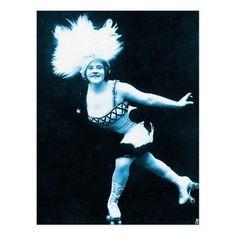 Retro Roller Skates, Roller Disco, Sleep Roller, Vintage Shops, Retro Vintage, Children Holding Hands, Roller Skating, Aesthetic Vintage, Postcard Size