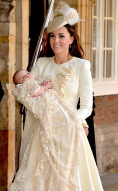 Kate Middleton's Alexander McQueen Outfit for Prince George's Christening: All the Details! -- Kate Middleton's Alexander McQueen Outfit for Prince George's Christening: All the Details! Alexander Mcqueen Kleider, Duke And Duchess, Duchess Of Cambridge, Beauty And Fashion, Fashion Looks, Trendy Fashion, High Fashion, Women's Fashion, Prince Georges