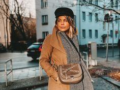 Wer von Euch kennt die Taschen von ZOÉ LU? Die Münchner Marke hat eine besonders smarte Idee: Taschen mit richtig stylischen Wechselklappen. Das Konzept mag simpel sein, ist aber wirkungsvoll. Denn was ZOÉ LU besonders gut gelingt, ist der Spagat zwischen femininem Design und Funktionalität. Alle Infos und ein wenig Inspiration gibt's auf dem Blog! Saddle Bags, Chloe, Fashion Inspiration, Design, The Splits, Concept, Handbags
