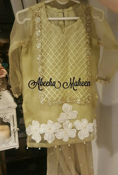 Pakistani Dress Design, Pakistani Dresses, Indian Dresses, Kids Dress Wear, Party Wear Dresses, Kids Wear, Formal Dresses, Kurti Embroidery Design, Embroidery Suits