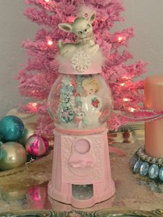 Christmas Helper Bubblegum machine winter snowglobe