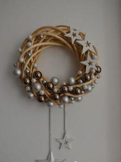Christmas Wreaths, Christmas Crafts, Merry Christmas, Christmas Decorations, Anul Nou, Ribbon Crafts, Basket Weaving, Diys, Creations