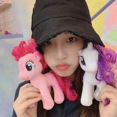 🎈🎈🎈💎💎💎 Forever Girl, One 7, Baby Ducks, Japanese Girl Group, Sakura Miyawaki, Be A Nice Human, The Wiz, Just For Fun, Korean Girl